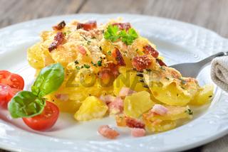 Kartoffelgratin mit Südtiroler Speck