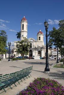 Kathedrale und Park Jose Marti