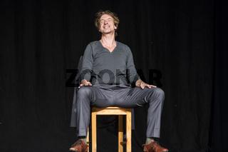 Ingolf Lück in 'Seite Eins - Theaterstück für einen Mann und ein Smartphone' von Johannes Kram