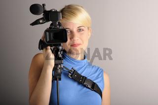 junge Frau Videokamera   young woman video camera