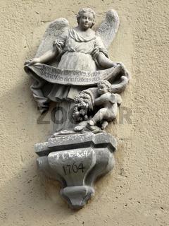 Engel an einem Haus in Naumburg an der Saale