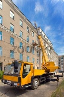 Heavy mobile crane truck