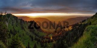 Panorama - Licht - und Wetterstimmung über dem Allgäu