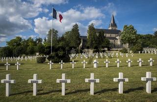 War Cemetery Chatillon-sur-Marne with Church