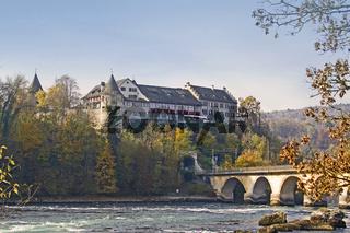 Schloss Laufen am Rheinfall in Neuhausen bei Schaffhausen, Schweiz