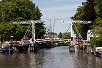 Alte Klappbrücke auf der Vecht, Niederlande