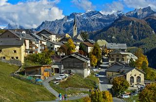 Der Ort Guarda im Unterengadin, Gemeinde Scuol, Engadin, Graubünden, Schweiz
