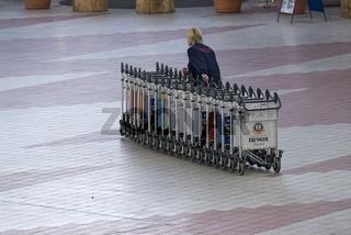 Gepäckwagen am Flughafen München