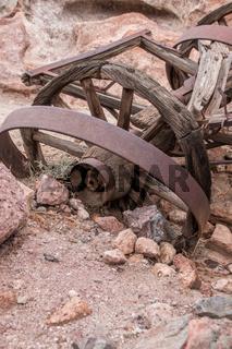 abandondes broken wagon wheel in caligo ghost town, USA