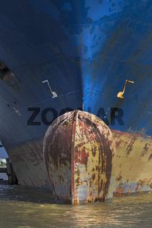 Bug von einem Containerschiff im Hamburger Hafen, Hamburg, Deutschland