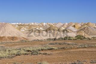 Abraumhalden von Opalminen in Coober Pedy, Südaustralien