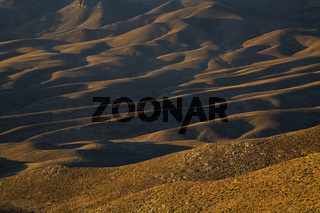 Huegellandschaft im ersten Morgenlicht, Anden, Argentinien, Hill landscape iat dawning, Andes, Argentina