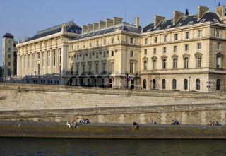 Louvre und Seine