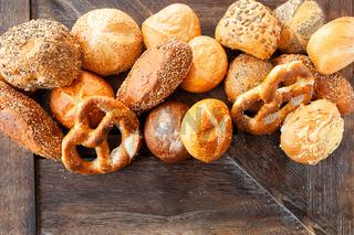 Auswahl an frischen Broetchen