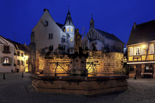Burg mit Sankt Leo-Kapelle, Eguisheim, Elsass, France