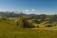 Idyllische Berglandschaft im Appenzellerland mit Blick auf den Säntis, Kanton Appenzell, Schweiz