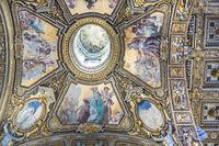 Kassettendecke der Basilika Santa Maria Maggiore in Rom in Italien