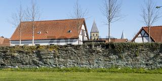 Stadtwall mit St. Pauli Kirche, Soest, Westfalen, Nordrhein-Westfalen, Deutschland, Europa