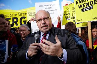 SIAG-Nordseewerke workers demonstrate in Berlin
