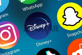 Disney+ Disney Plus Filme Videos Streaming Logo Icon im Internet Hintergrund