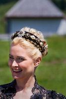 Porträt einer Frau mit stylischer Frisur