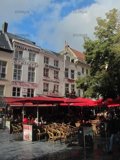 Straßencafé in Antwerpen