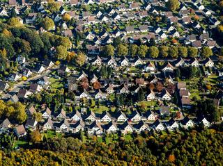 Wohnsiedlung in Bochum im Herbst.