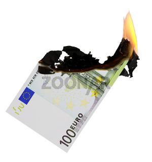 100 Euroschein brennt