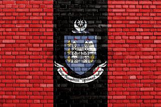 flag of Drogheda painted on brick wall