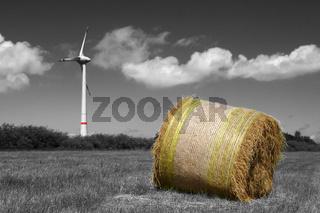 Rundballen und Windkraft