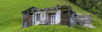 Alte Hütte aus Steinen