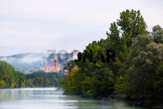 Dordogne und Chateau de Beynac, Perigord, Aquitanien, France