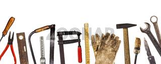 Alte Werkzeuge isoliert auf weiß