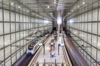S-Bahn Leipzig City-Tunnel Zug S Bahn Bahnhof Haltestelle Wilhelm-Leuschner-Platz in Deutschland