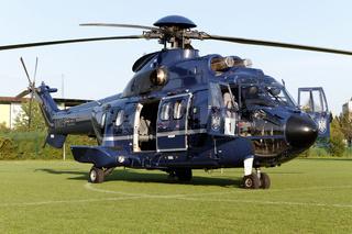 Hubschrauber AS 332 L1 Super Puma der Bundespolizei.
