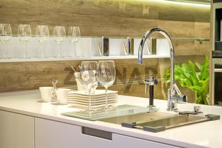 Spüle in einer modernen Einbauküche Sink in a modern built in ki