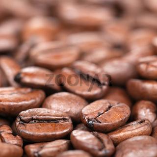 Kaffeebohnen mit geringer Schärfentiefe