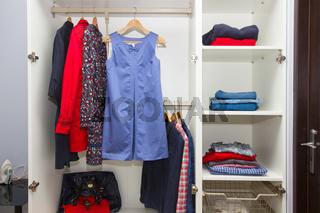 closing in wardrobe