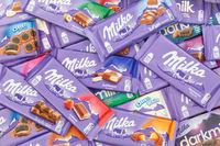 Milka Schokolade Schokoladen verschiedene Sorten Hintergrund