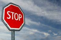 Stopzeichen bei Dämmerung