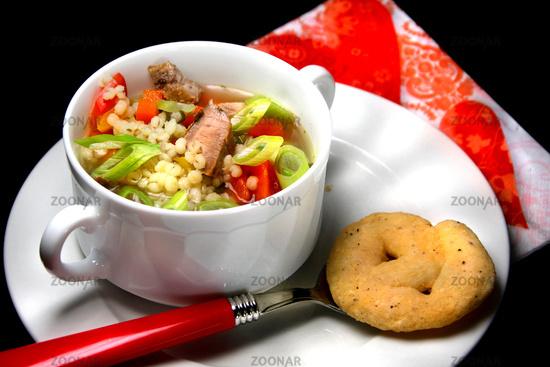 Graupensuppe mit Gemüse und Fleisch © Liz Collet