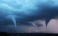 Tornado mit Blitzen