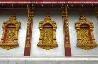 Schmuckfenster mit vergoldeten Schnitzereien, Temple Wat Nong Sikhounmuang, Luang Prabang, Laos