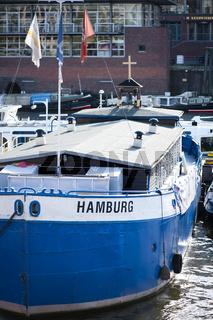 Flussschifferkirche im Hamburger Hafen