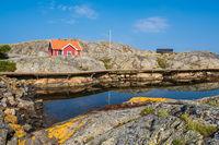 Felsen auf den Wetterinseln vor der Stadt Fjällbacka in Schweden