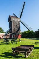 Bockwindmühle in Dornum, Ostfriesland, Niedersachsen, Deutschland