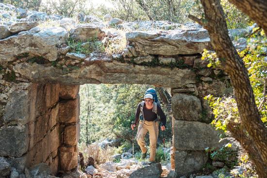 Hike along ruinas