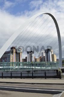 Grossbritannien, Newcastle, Millenniumsbruecke
