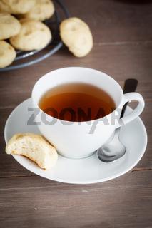 Teezeit mit Gebäck