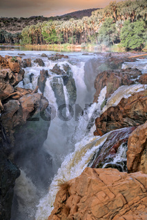 Epupa Falls, Namibia, an der Grenze zu Angola   Epupa Falls, Namibia, near the border of Angola
